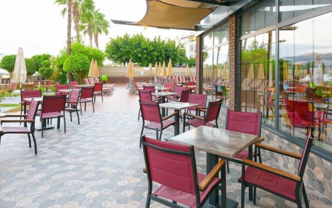 Terras van Hotel Monart City in Alanya