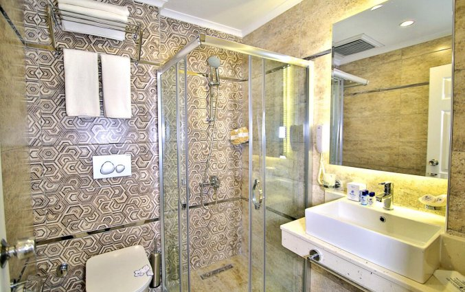 Badkamer van Hotel Club Big Blue Suite in Alanya