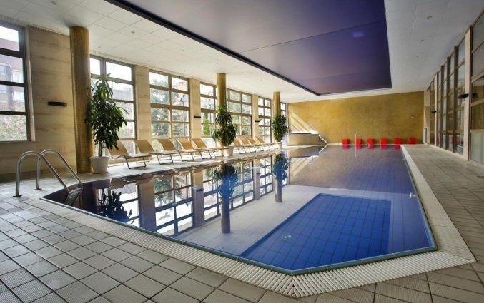 Zwembad van Adina Apartment Hotel Budapest