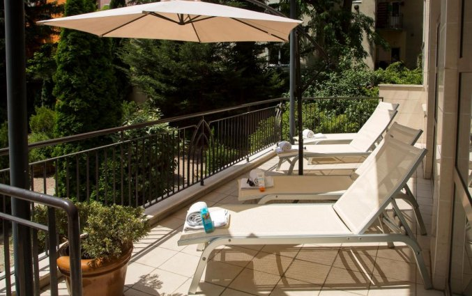 Zonneterras van Adina Apartment Hotel Budapest