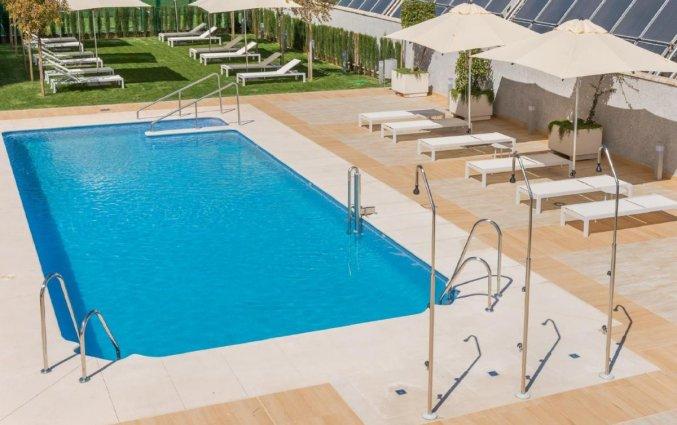 Buitenzwembad Hotel Garden Inn Sevilla