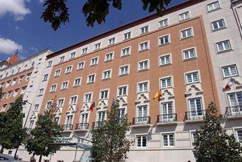 Buitenkant van Hotel Miraparque in Lissabon