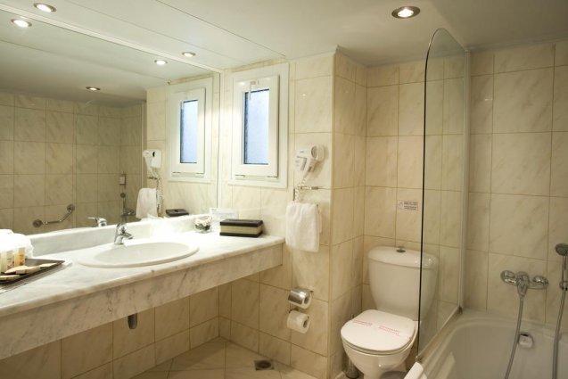 Badkamer in hotel Ariti Corfu