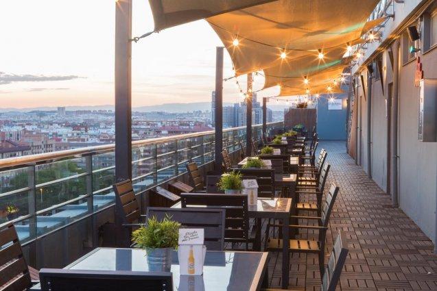 Dakterras met uitzicht van Hotel Expo in Valencia