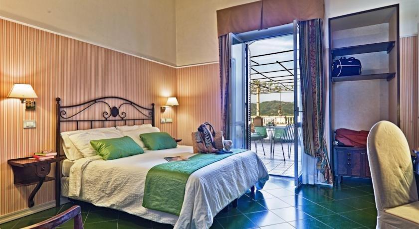 Tweepersoonskamer van Hotel Scapolatiello in Amalfi