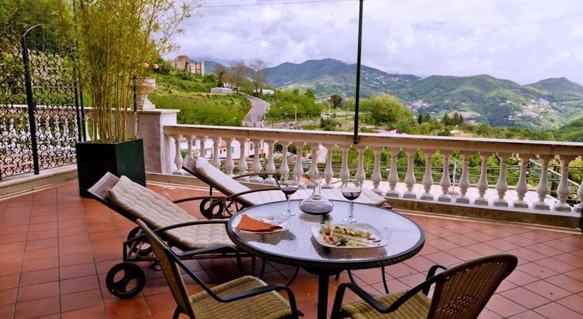 Terras van Hotel Scapolatiello in Amalfi