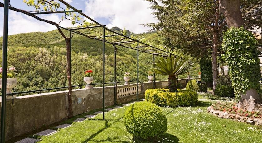 Tuin van Hotel Scapolatiello in Amalfi