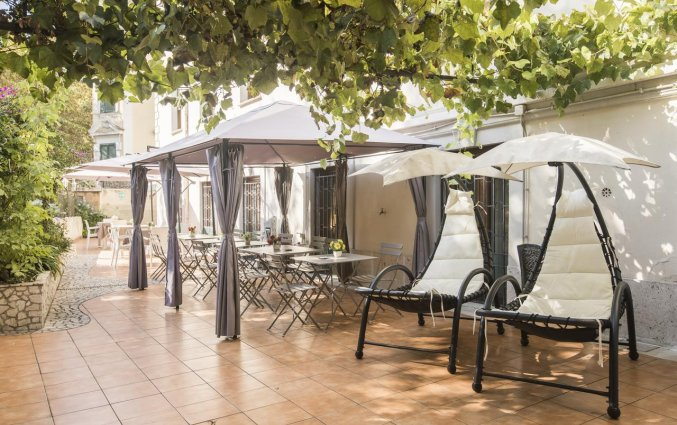 Terras van hotel Villa Rosa in Rome