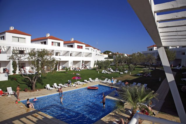 Zwembad van appartementen Pateo Village in de Algarve
