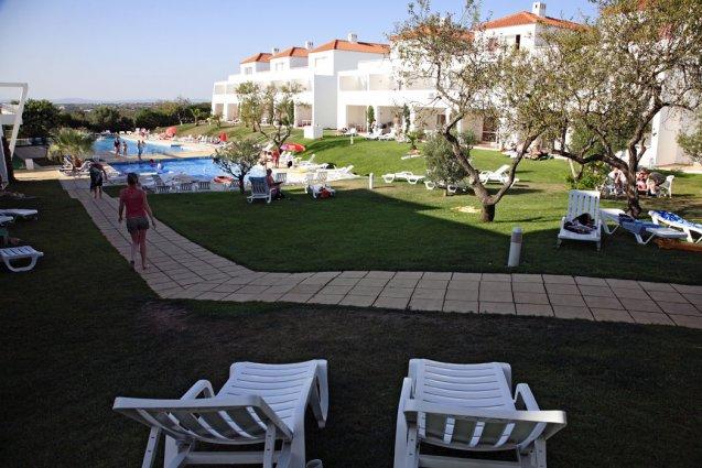 Ligbedjes van appartementen Pateo Village in de Algarve