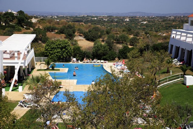 Bovenaanzicht van appartementen Pateo Village in de Algarve