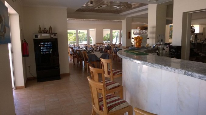 Bar van Hotel & Spa Maritur in de Algarve