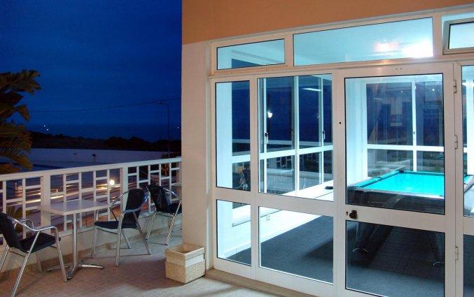 Terras met speelkamer van Hotel & Spa Maritur in de Algarve