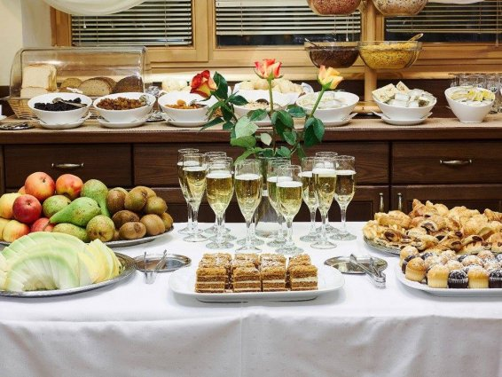 Ontbijtbuffet van Hotel Rixwell Old Riga Palace in Riga
