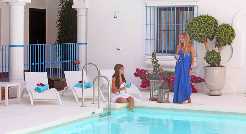 Het zwembad van Hotel La Fonda in Andalusië