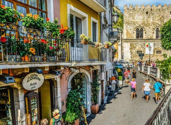 Sicilie - Straatje Taormina