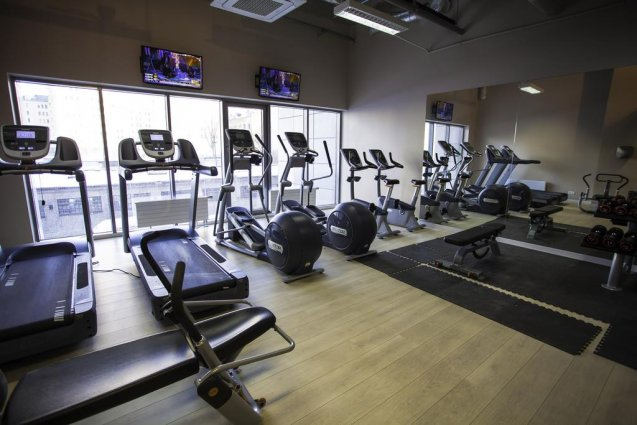 Fitnessruimte van Aparthotel Platinum Residence in Warschau