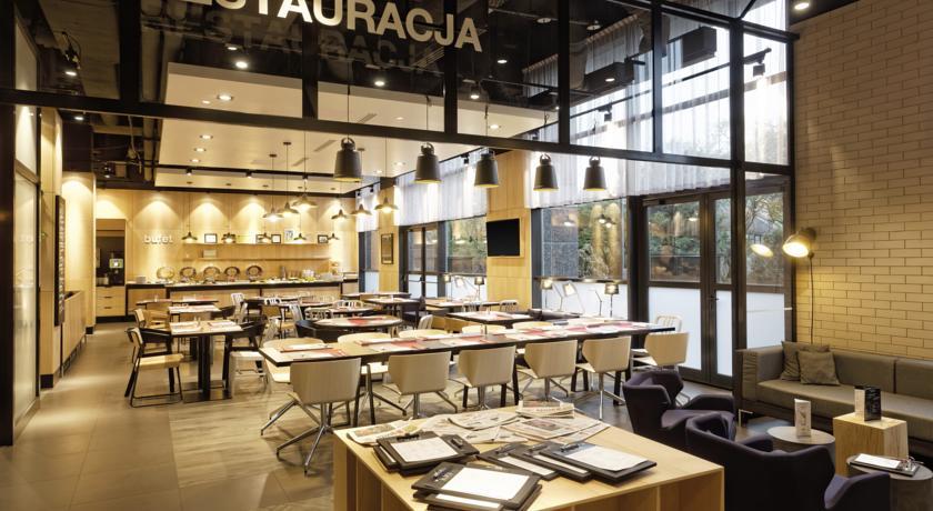 Restaurant van Hotel Campanile Warschau