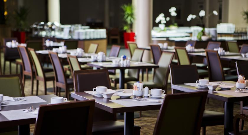 Restaurant van Hotel Radisson Blu Sobieski in Warschau