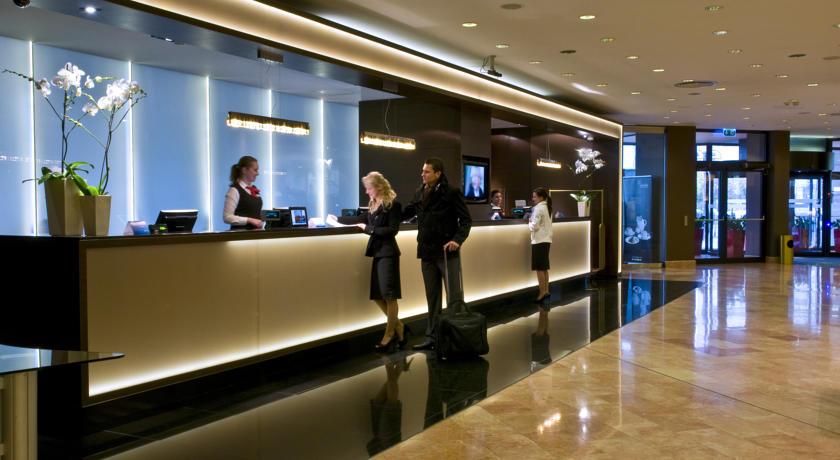 Receptie van Hotel Radisson Blu Sobieski in Warschau