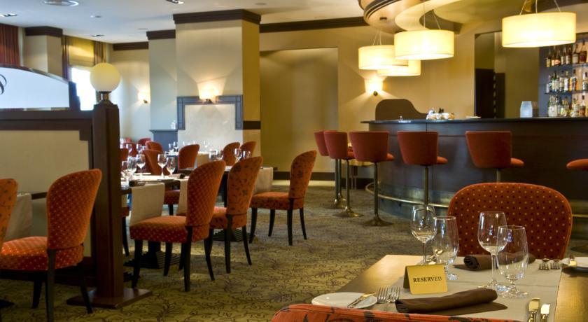 Ontbijtzaal van Hotel Radisson Blu Sobieski in Warschau