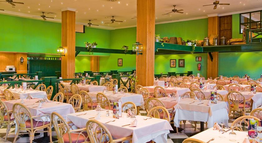 Ontbijtzaal van Hotel Blue Sea Costa Bastianop Lanzarote