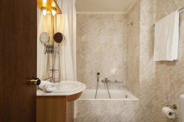 Badkamer van Hotel Adelais op Kreta