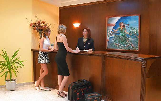 Receptie van Hotel Adelais op Kreta