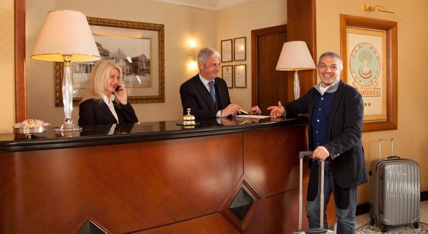 Receptie van hotel Piemonte in Rome
