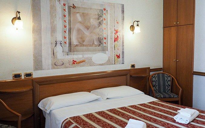 tweepersoonsbed van Hotel Santa Prassede Rome