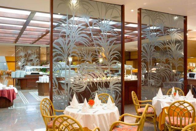 Ontbijtzaal van Hotel Mogan Princess & Beach Club op Gran Canaria