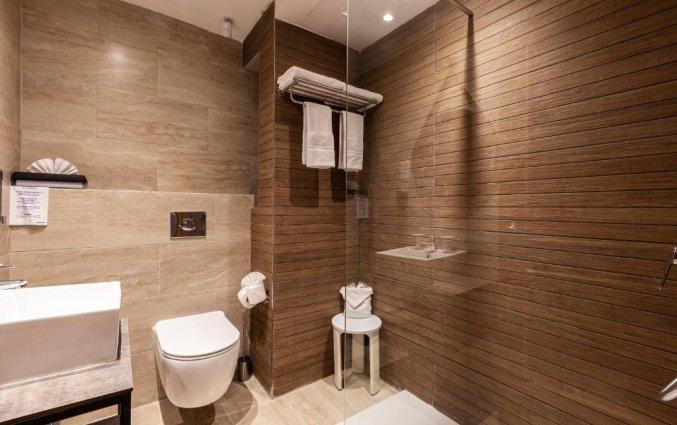 Badkamer van een tweepersoonskamer van Hotel & Spa Pergola op Malta