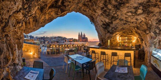Terras van Hotel & Spa Pergola op Malta
