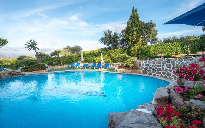 Zwembad van Aparthotel Ona Aucanada op Mallorca
