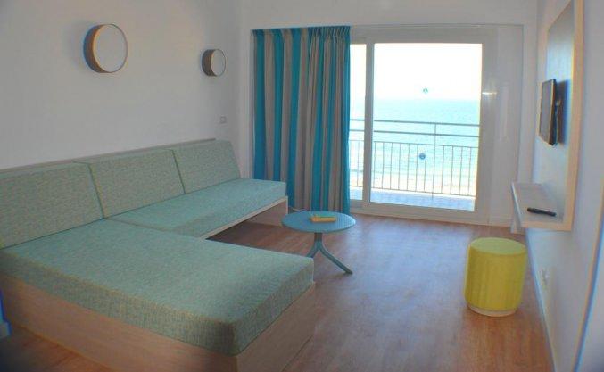 Woonkamer van een appartement van Appartementen Playa Moreia op Mallorca