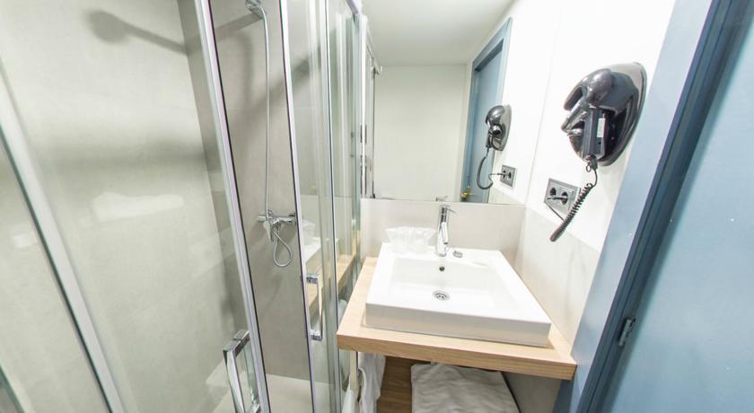 Badkamer van hotel Costa Portals op Mallorca