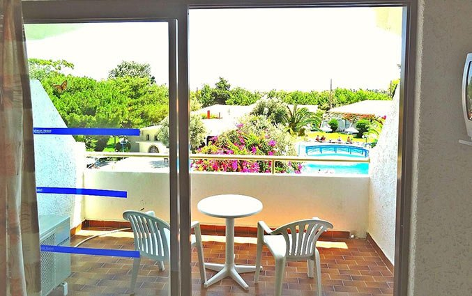 Balkon van Aparthotel Filerimos Village op Rhodos