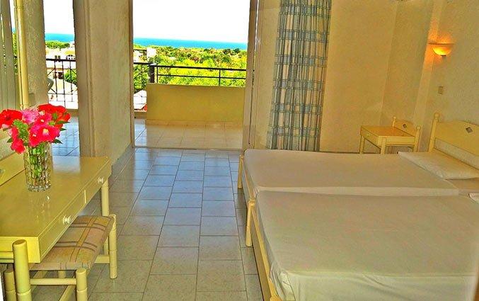 Tweepersoonskamer van Aparthotel Filerimos Village op Rhodos