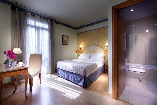 Tweepersoonskamer van hotel Eurostars Regina in Sevilla