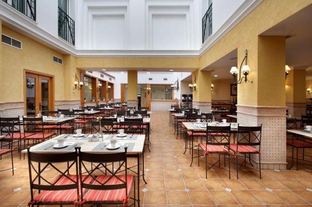 Ontbijtzaal van hotel Eurostars Regina in Sevilla