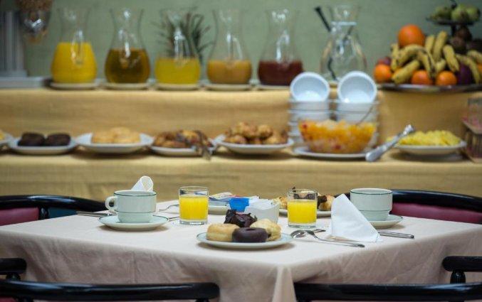 ontbijt hotel Derby in Sevilla