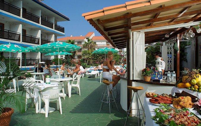 Bar aan het zwembad van Studio's Pez Azul op Tenerife