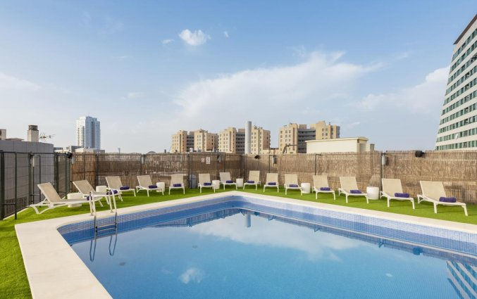 Buitenzwembad van Hotel Eurostars Rey Don Jaime in Valencia