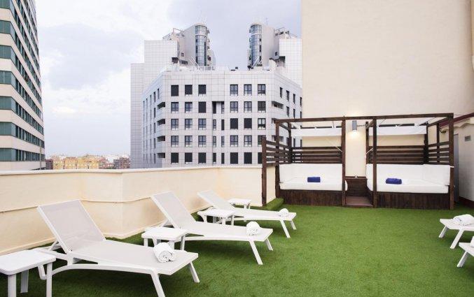 Terras van Hotel Eurostars Rey Don Jaime in Valencia