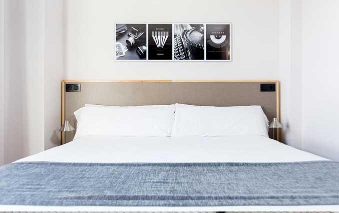 tweepersoonsbed van Hotel Kramer Valencia