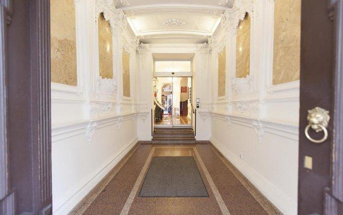 Entree van Hotel Atos in Praag