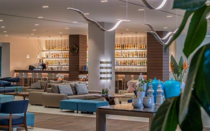 Lobby met bar van Resort Mareblue Beach op Corfu