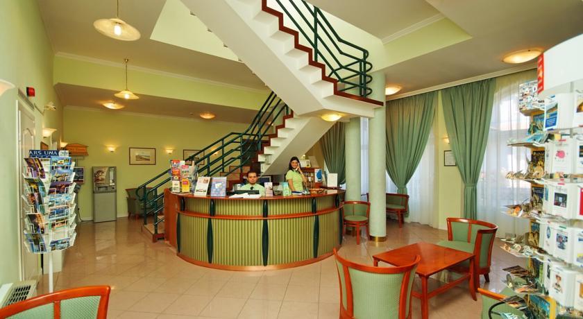 Receptie van hotel Baross City in Budapest
