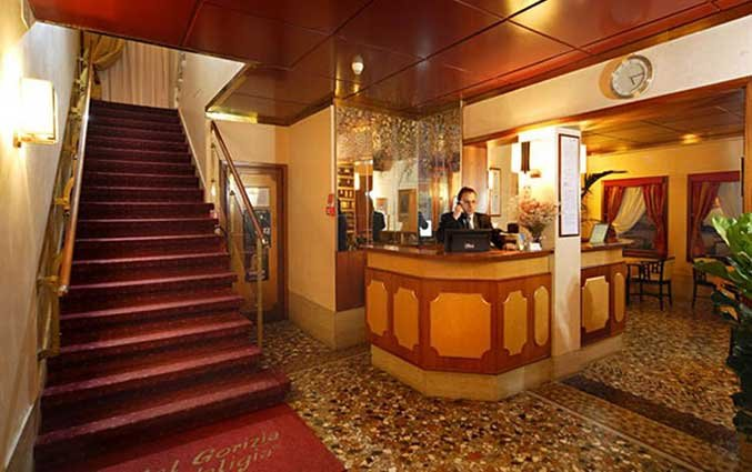Receptie van Hotel Gorizia a la Valigia in Venetie