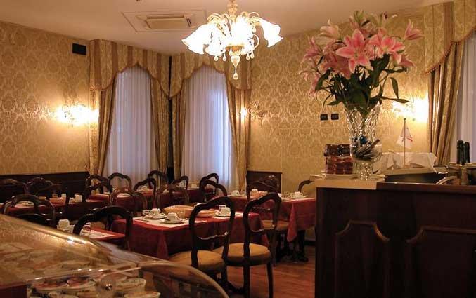 Ontbijtzaal van Hotel Gorizia a la Valigia in Venetie